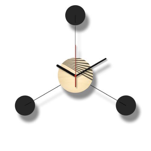 Horloge Murale Personnalisable Trio composée d'un disque de bois gravé et de trois pales d'acier laquées noires Style George Nelson Recto3 | Virvoltan