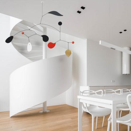 Mobile Décoratif Personnalisable Rouge Blanc Gris Anthracite Et Noir Dans Un SAlon Design Avec Colimaçon | Virvoltan