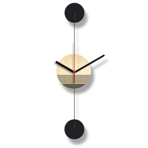 Horloge Murale Personnalisable Duo composée d'un disque de bois gravé et de deux pales d'acier laquées noires Verticale | Virvoltan