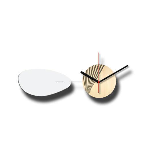 Horloge Murale Personnalisable Solo composée d'un disque de bois gravé et d'une pale d'acier laquée Blanc Horizontale | Virvoltan