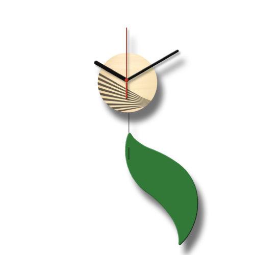 Horloge Murale Personnalisable Solo composée d'un disque de bois gravé et d'une pale d'acier laquée Vert - Recto | Virvoltan